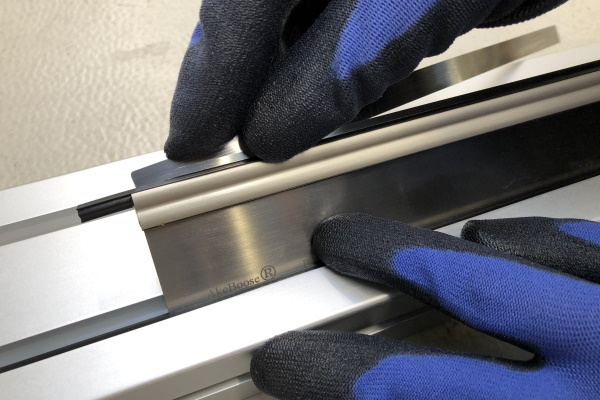 Quick and easy blade change