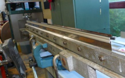 AkeBoose NewEdge blade holder installed in machine holder