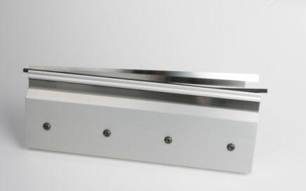 Doctor blade change on AkeBoose blade holders